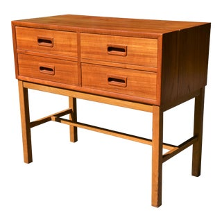 Swedish Mid-Century Modern 4 Drawer Chest by Nk-Bo For Sale