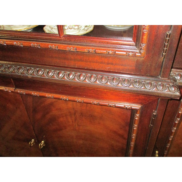 1990s 1990s Hickory White Breakfront Four-Door Inlaid Mahogany China Cabinet For Sale - Image 5 of 11