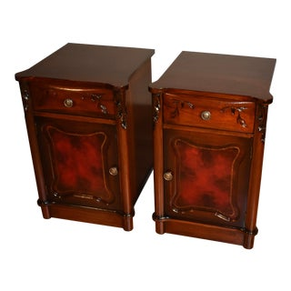 1920s Chinese Chippendale Mahogany Nightstands Bedside Tables - a Pair For Sale