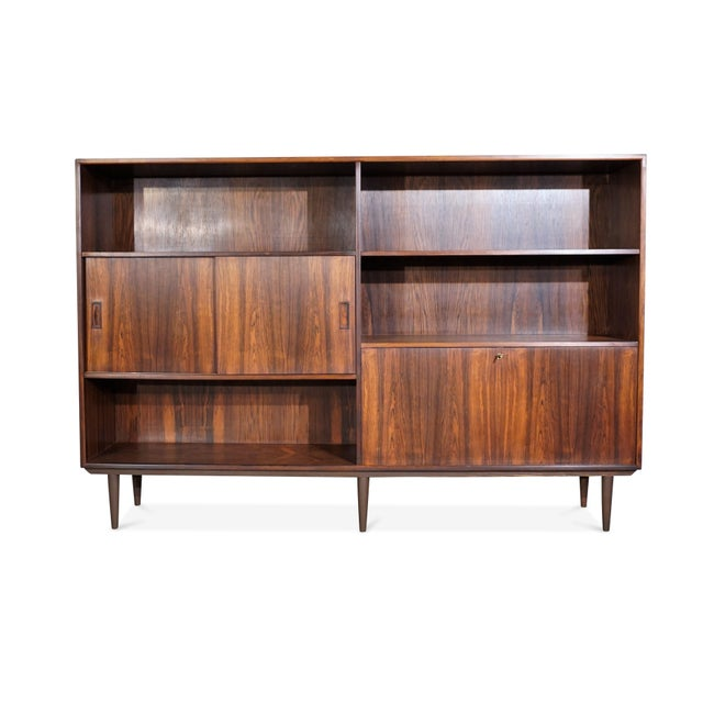 """Rosewood Danish Mid Century Hundevad Rosewood Bookcase - """"Avallersuaq"""" For Sale - Image 7 of 7"""