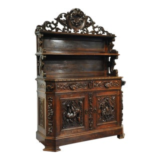 19th Century French Black Forest Carved Oak Display Buffet With Hunt Motifs For Sale