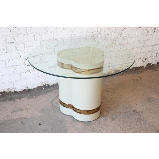 Hollywood Regency Bernhard Rohne for Mastercraft Acid Etched Brass Cream Lacquered Pedestal Dining Table For Sale - Image 3 of 13