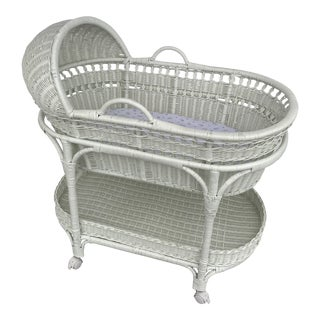 1980s Country Wicker Baby Bassinet For Sale