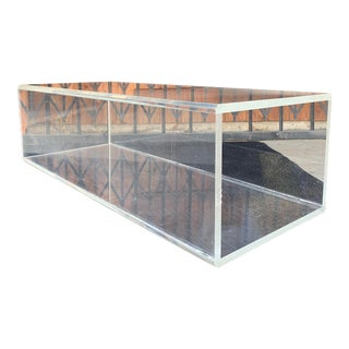 1980s Mid-Century Modern Lucite Rectangular Coffee Table For Sale