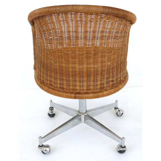1960s Mid-Century Modern Daystrom Rattan & Stainless Steel Swivel Chairs - Set of 6 For Sale In Miami - Image 6 of 13