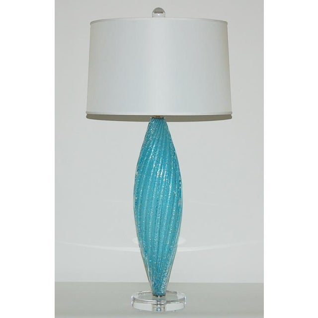 Hollywood Regency Vintage Murano Pulegoso Glass Table Lamps in Aqua For Sale - Image 3 of 9