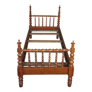 Antique Early American Small Single Pine Youth Spindle Bedframe For Sale