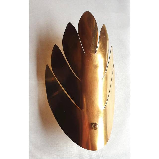 1970s Brass Stylized Leaf Mid Century Modern Sconces, France 1970s, 2 Pairs For Sale - Image 5 of 9