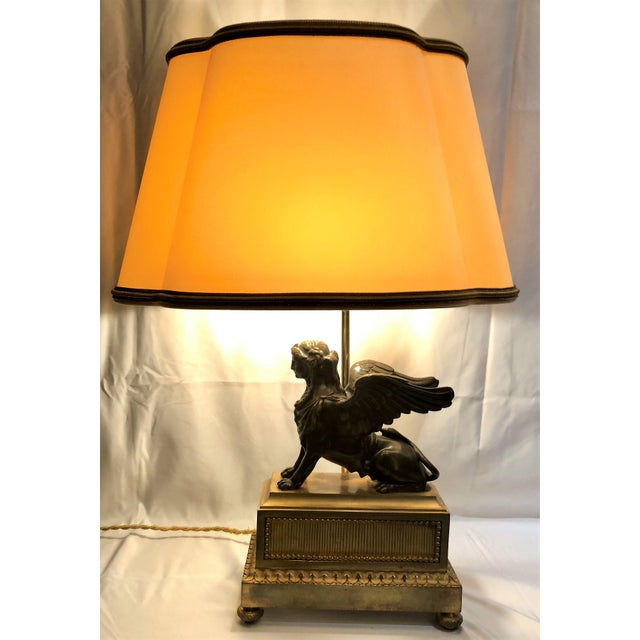 Egyptian Revival Pair Antique French Napoleonic Era Bronze Sphinx Figures Made Into Lamps, Circa 1800-1810. For Sale - Image 3 of 5