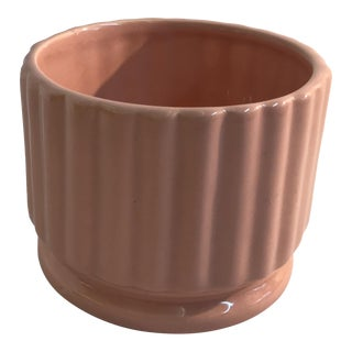 Vintage Mid Century Haeger Pink Ribbed Planter For Sale