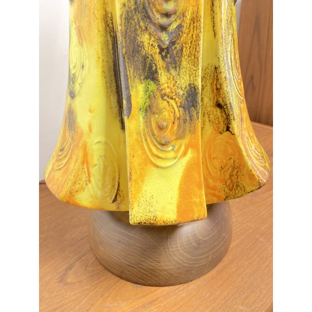 1960s Mid-Century Ceramic Yellow Drip Glaze Table Lamp For Sale - Image 5 of 6