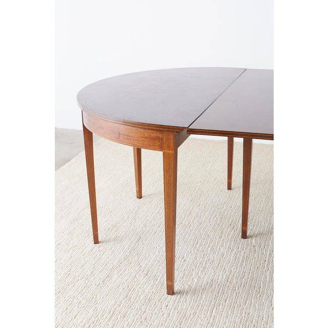 Gold American Hepplewhite Style Mahogany Banquet Dining Table For Sale - Image 8 of 13