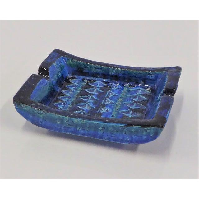 Mid-Century Modern 1960s Aldo Londi for Bitossi Italian Modern Rimini Blue Small Ashtray For Sale - Image 3 of 7