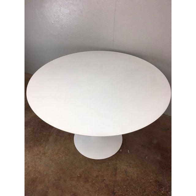 Eero Saarinen Tulip Dining Table & 4 Tulip Chairs Set For Sale - Image 11 of 11