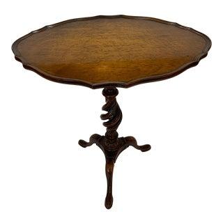 English Mahogany and Burlwood Oval Side Table For Sale