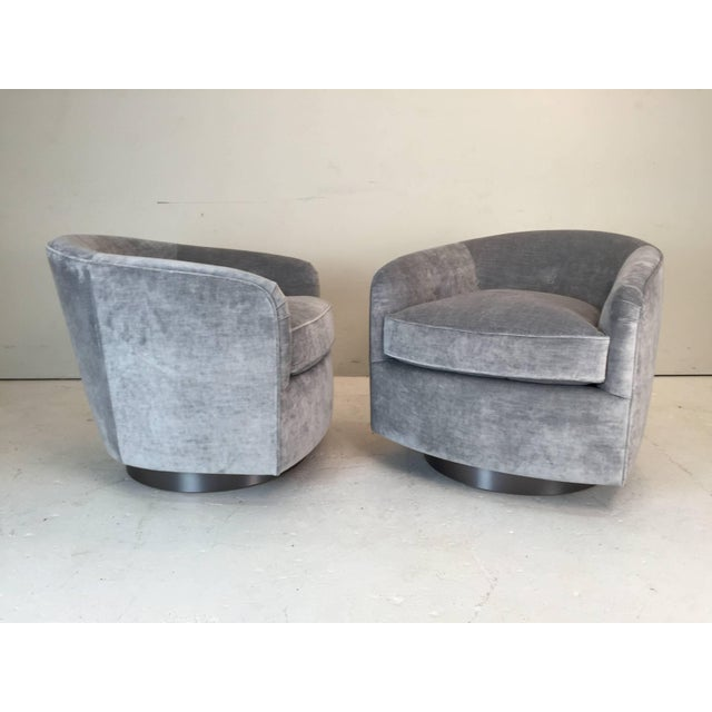 Contemporary Pair Milo Baughman Style Swivel Chairs For Sale - Image 3 of 9