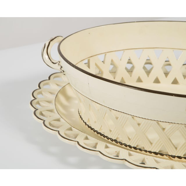 English Creamware Bowl With Brown Rim With Underplate in Scallop Design 19th Century For Sale In Nashville - Image 6 of 8