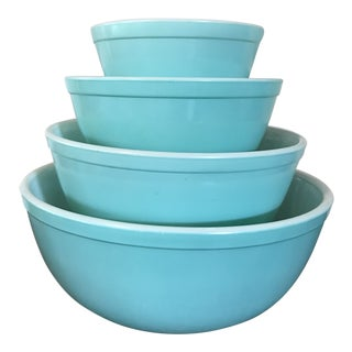 1950's Vintage Pyrex Turquoise Mixing Bowls- Set of 4 For Sale