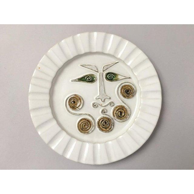 Mid-Century Modern Bennington Potters White Decorative Plate For Sale - Image 9 of 9