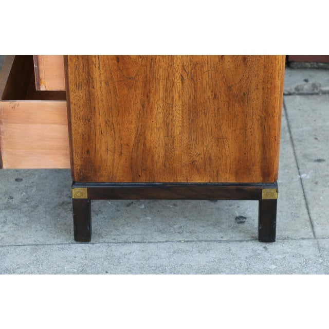 1970s Mid-Century Modern Henredon Nightstands with Brass Accent - a Pair For Sale - Image 9 of 12