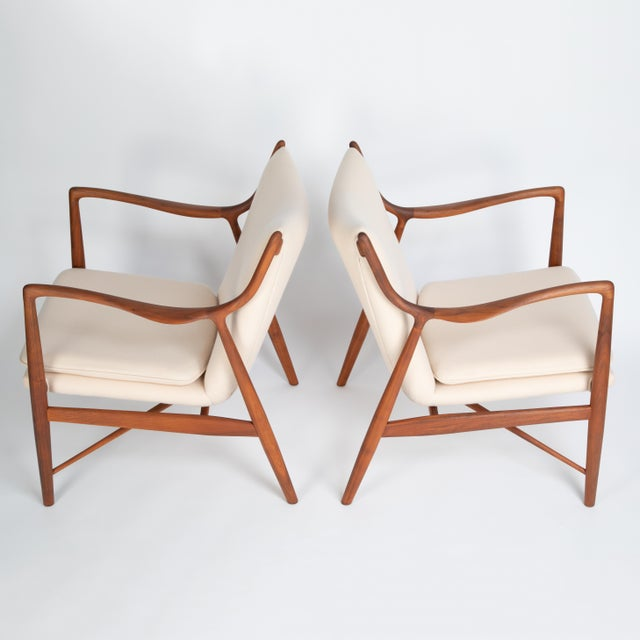 """1960s Pair of Finn Juhl """"45"""" Chairs for Baker Furniture, Circa 1960s For Sale - Image 5 of 13"""