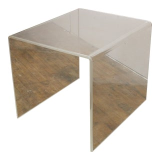 Mid-Century Modern Lucite Acrylic End Table For Sale