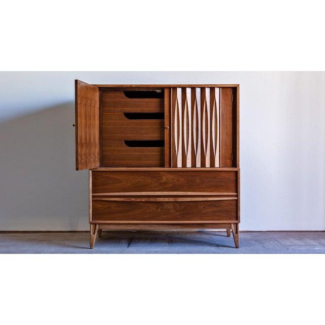 Mid-Century Modern 1960s Century Modern Thomasville Highboy Dresser For Sale - Image 3 of 8