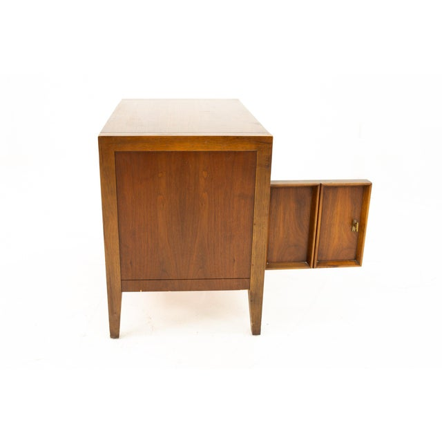 Brown Drexel Mid Century Walnut Nightstand For Sale - Image 8 of 13