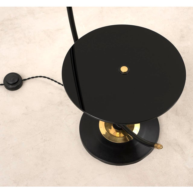French Floor Lamp in Brass and Black Lacquer with Etched Glass Diffusers, 1950s For Sale In Santa Fe - Image 6 of 10