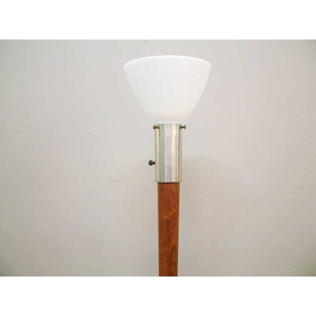 Vladimir Kagan Walnut Floor Lamp Attributed to Vladimir Kagan For Sale - Image 4 of 7