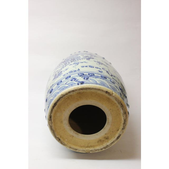Chinese Blue and White Ceramic Garden Stool For Sale In New York - Image 6 of 10