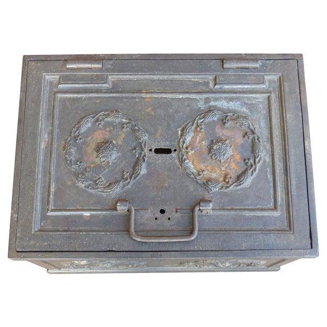 19th Century Antique Decorative Iron Safe For Sale In Miami - Image 6 of 10