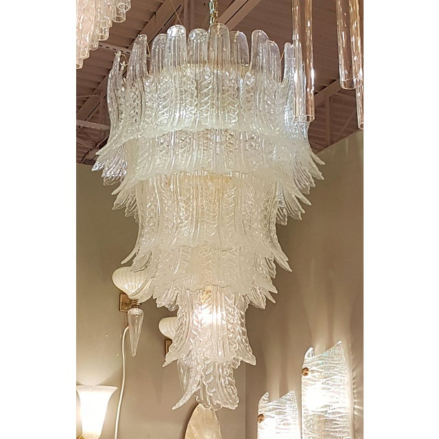 Hollywood Regency XL Barovier e Toso mid-century modern clear Murano glass leaves chandelier For Sale - Image 3 of 5
