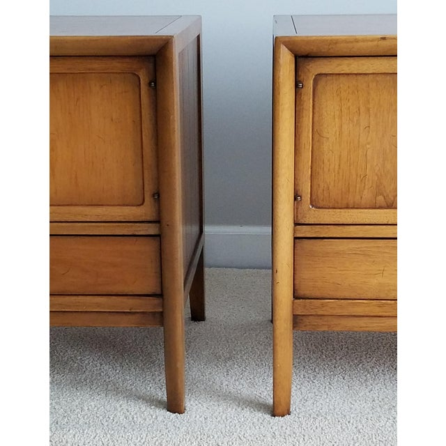 Drexel Meridian Nightstands – A Pair - Image 5 of 11