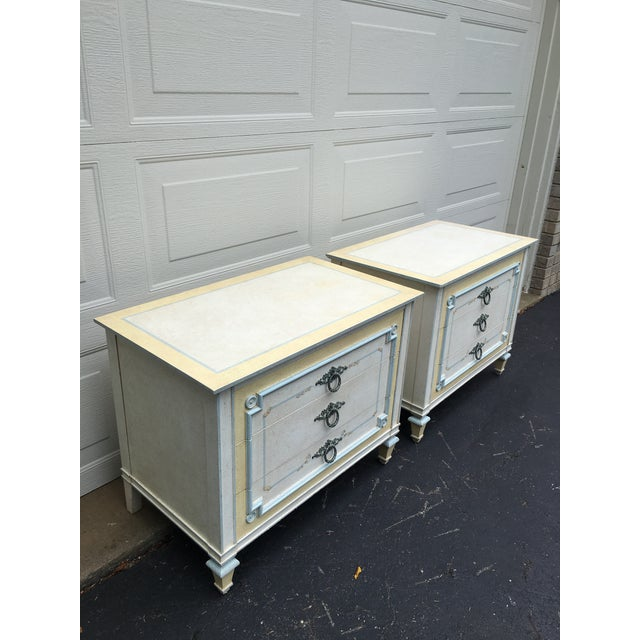 John Widdicomb 1970s Shabby Chic Johñ Widdicomb White Night Stands - a Pair For Sale - Image 4 of 9