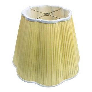 Silk Pleated Handmade Yellow Scallop Lampshade For Sale