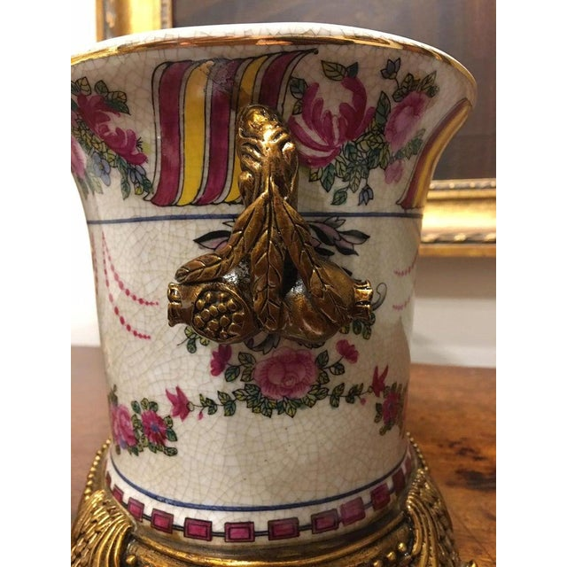 Traditional Porcelain Cache Pots or Jardinières with a Floral Motif, 20th Century - A Pair For Sale - Image 3 of 10