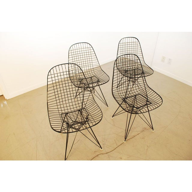 Mid-Century Modern Black Original Eames Wire Chairs - Set of 4 For Sale - Image 3 of 7