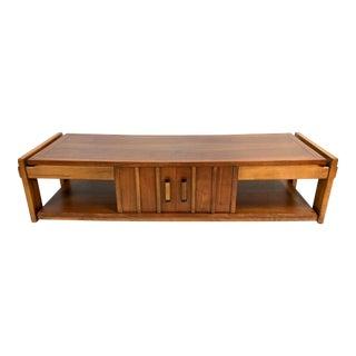 Mid Century Modern Lane Coffee Table in Walnut For Sale