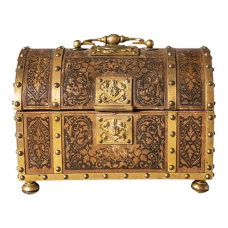 1900s Vintage Brass and Leather Casket For Sale