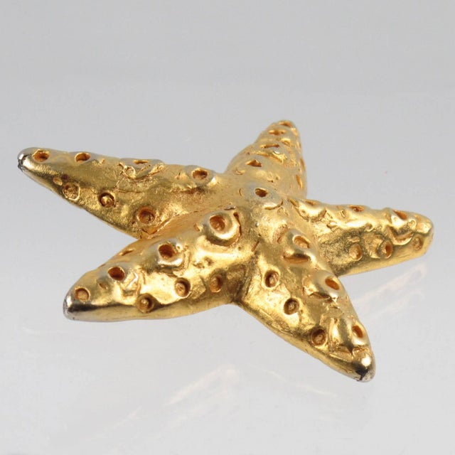 Christian Lacroix Paris Oversized Gilt Metal Starfish Clip on Earrings For Sale In Atlanta - Image 6 of 7