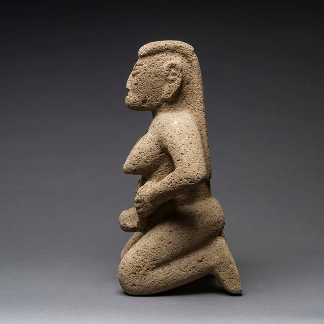 Americana Basalt Figure of a Woman Giving Birth For Sale - Image 3 of 5