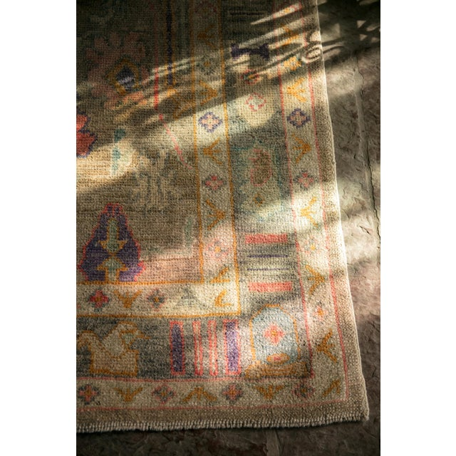 'Sezen' Modern Heirloom Turkish Oushak - 5′8″ × 7′7″ For Sale - Image 9 of 10