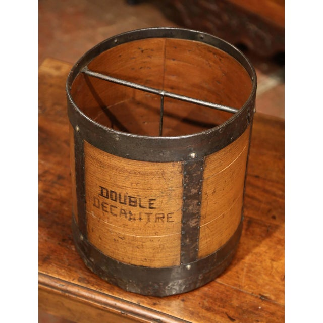 French Mid-19th Century French Walnut and Iron Grain Measure Basket With Inside Handle For Sale - Image 3 of 11