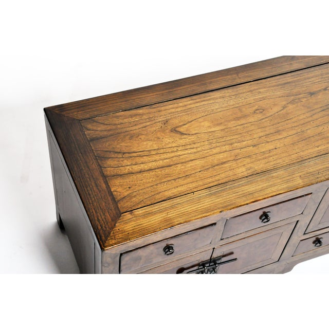 19th Century Chinese Kwang Chest With 8 Drawers For Sale In Chicago - Image 6 of 13