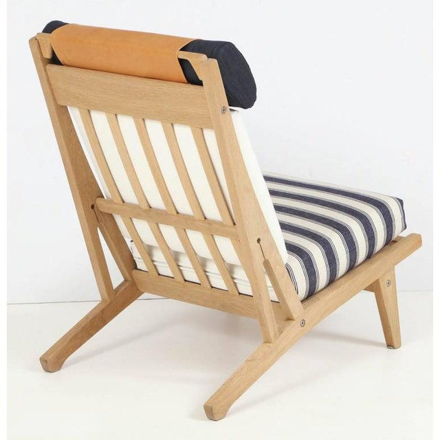 """Circa 1960's Hans J. Wegner Denmark """"Getama"""" Lounge Chairs- a Pair For Sale In Miami - Image 6 of 13"""