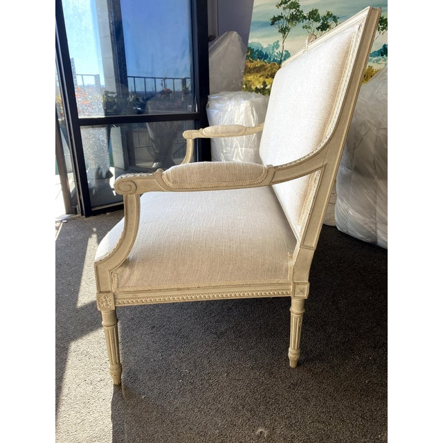 Antique French Grey White Painted Settee Upholstered in Off White Linen For Sale In Denver - Image 6 of 13