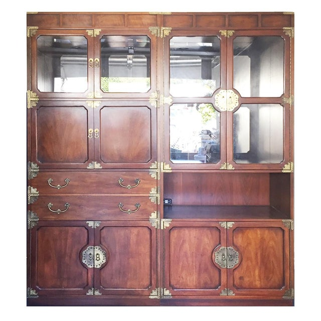 Gold Henredon Etched Brass Chinoiserie Campaign Bar Desk Bookcase Cabinet For Sale - Image 8 of 10
