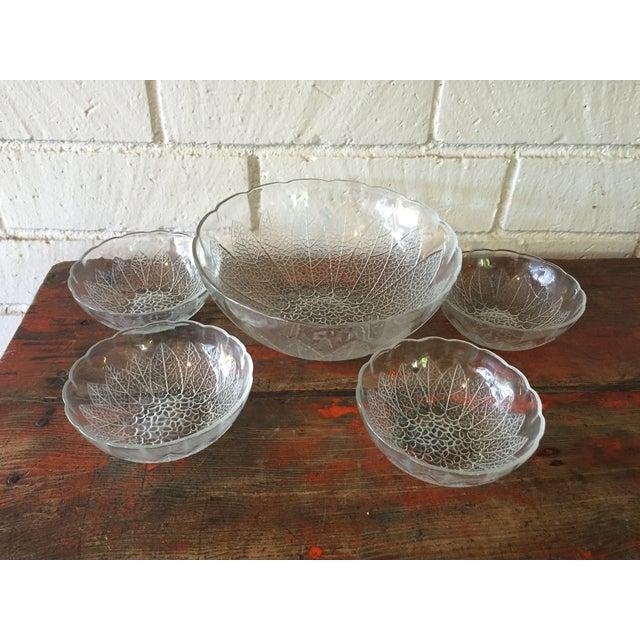 Vintage Daisy Salad Bowls - Set of 5 - Image 3 of 5
