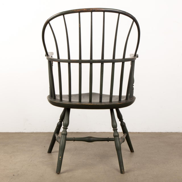 18th Century Antique Windsor Chair With Extended Arms For Sale - Image 4 of 13